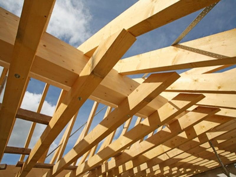 Guida pratica su come verniciare il sottotetto in legno e for Verniciare il legno