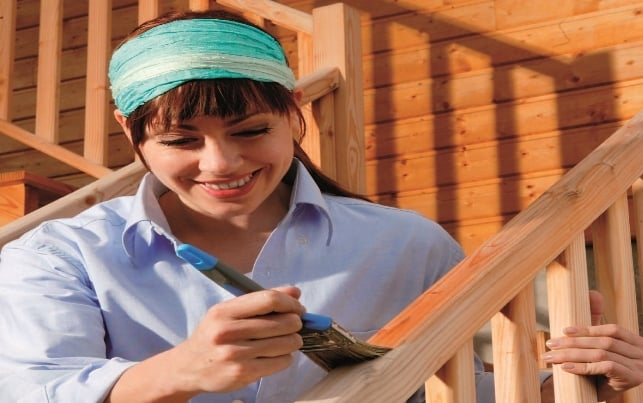 Verniciare e rinnovare il legno esterno koppa vernici for Verniciare il legno